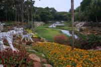 1800 personnes travaillent dans ce jardin