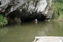 On entre dans une grotte