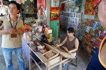La fabrication d'encens à la canelle