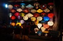 De belles lanternes illuminées