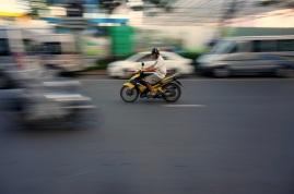 La moto est le meilleur moyen de se promener dans la ville