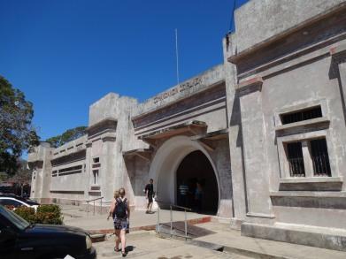 Libéria, visite de la prison qui sera converti en musée dès qu'ils auront des fonds.