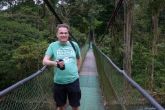 Nous traversons le pont à la découverte de la faune