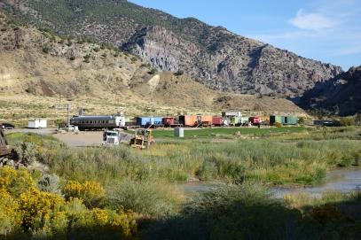 Un parc de maisons fait avec des Wagons de train