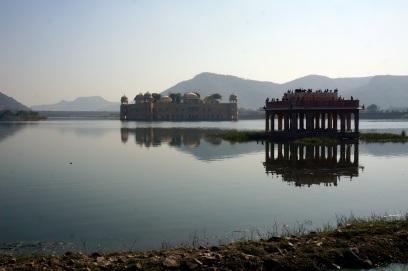 Le Jal Mahal (Jal signifie eau)