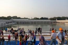Le lac près du temple