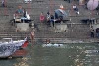 L'ablution dans le Gange
