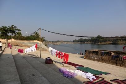 Sur les berges de la rivière Betwa, c'est la journée de la lessive