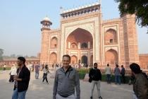 Vers l'entrée du Taj Mahal