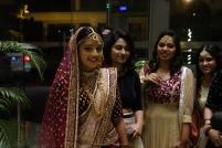 Une jolie mariée et ses dames de compagnie à notre hôtel ( je crois qu'elle apprécie être photographier par un étranger)