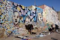 Vendeur improvisés sous les murales