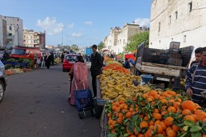 Les marchands locaux de fruits et légumes