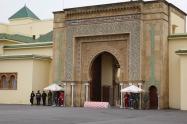 L'une des porte du palais royal