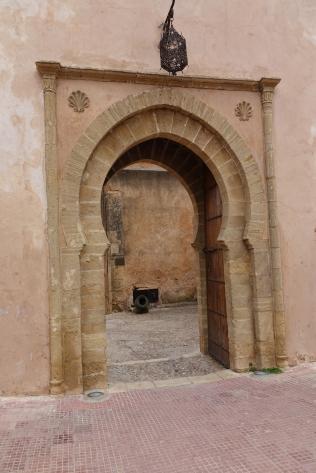 A la sortie de la Casbah, un accueil canon
