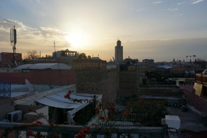 Lever de soleil sur Marrakech depuis la terasse du Riad
