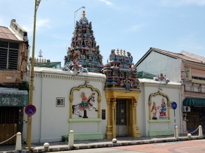 et maintenant, un temple Hindoux