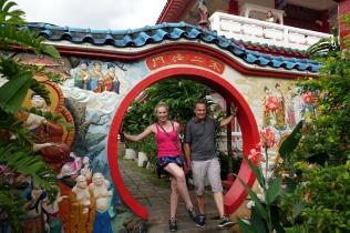 Une pose-pause avant de monter dans la pagode