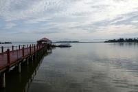 Arrivé au centre de conservation des Orang outan, nous attendons le bateau