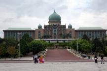 Un des nombreux edifices