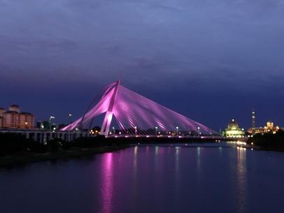 Putrajawa a un magnifique pont