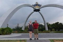 A l'entrée du palais Royal