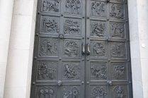 La porte de la cathédrale, vraiment très belle
