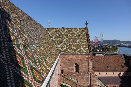 Les toits sont magnifiques (celui de la cathédrale)