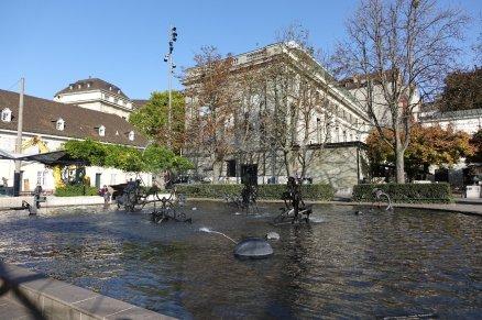 La fontaine animée Tinguely (il n'est pas conseillé d'y boire)