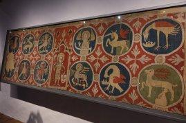 Une rare tapisserie ayant des signes religieux qui n'a pas été détruite pendant la réforme
