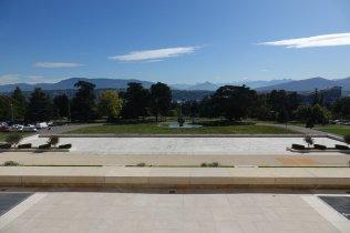 Le jardin intérieur des nations Unis (on voit le mont Banc au loin)