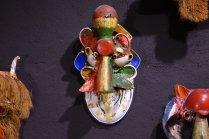 L art brut avec de la vaisselle cassée