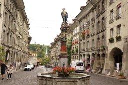 Une fontaine avec un combattant dont le nom allemand est imprononçable