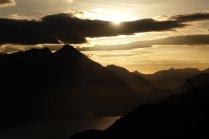 Le soleil se couche sur les Alpes
