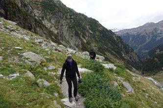 Les sentiers sont rocailleux, nous marchons rarement sur un beau chemin au niveau